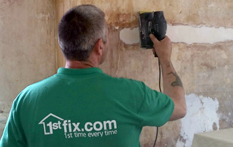 1stfix Handyman performing emergency repairs